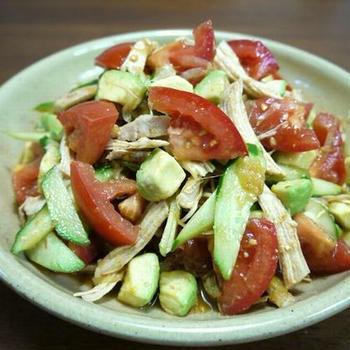 【掲載】くらしのアンテナ(レシピブログ)★鶏むね肉のアボカドとトマトの中華サラダ♪