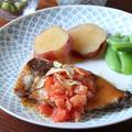 ぶりのガーリック焼き、トマトぽん酢ソース と たけのこごはん。
