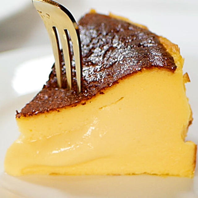 とろたま半熟濃厚バスクチーズケーキ【プリン食感のチーズケーキ】