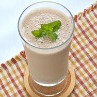 ヨーグルトの乳清使い切り〜で簡単朝ゴハン!ハチミツであま〜いバナナヨーグルトミロドリンク。