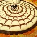 蜘蛛の巣模様のレアチーズケーキタルト《ハロウィンスイーツ》