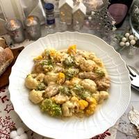 減塩クリームソースでクリーミーな鶏肉とカリフラワー煮込み