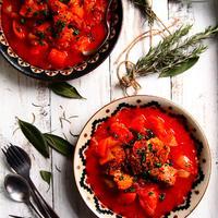 豚バラと香味野菜のトマト煮【スパイス大使】