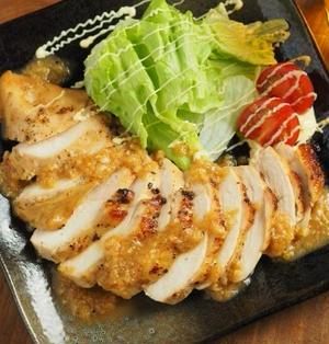 鶏むね肉の玉ねぎソース焼き 、 玉ねぎソースのシンプルレシピ