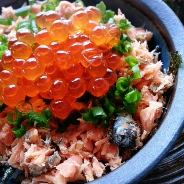北海道発!!いくら&九州発!!鮭のコラボ♡我が家の人気Menu鮭といくらの親子丼です(*^^*)