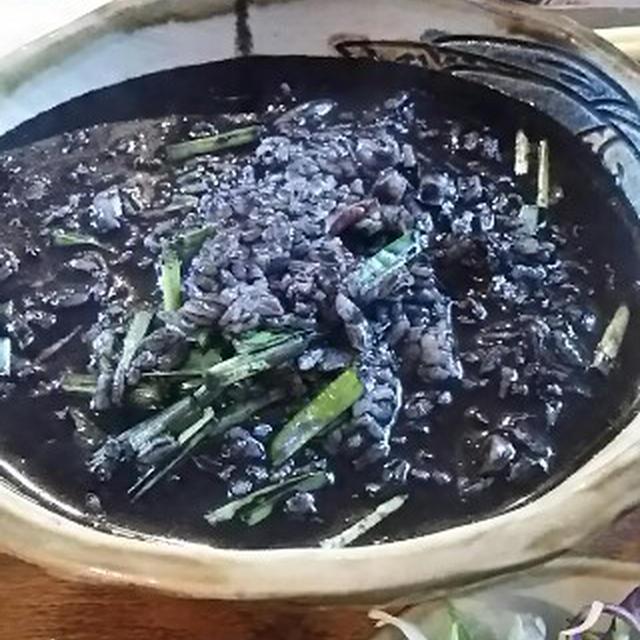 街の食堂で島定食を食す:ぼろぼろジューシー