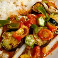 レトルトカレー+夏野菜の簡単パワーUP