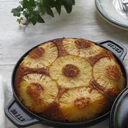 パイナップルのアップサイドダウンケーキ