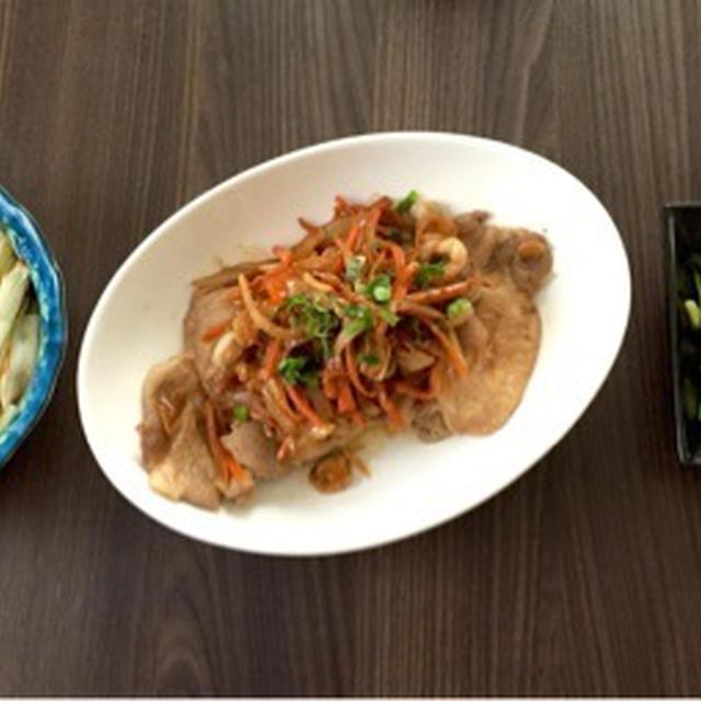 里芋煮っ転がし&焼ネギ、豚肉甘辛にんにく醤油、きゅうりと桜海老のナムル、玉ねぎのお味噌汁