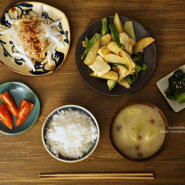 じゃがいもとピーマンと豆腐の炒め物。
