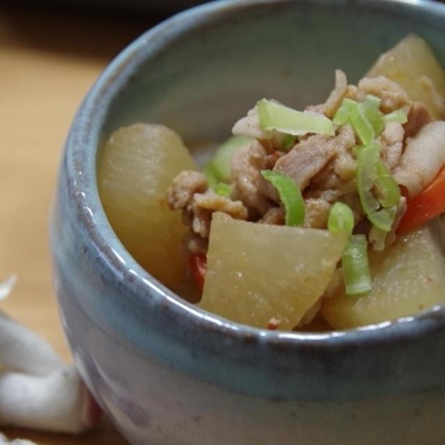 大根と豚肉のピリ辛煮☆