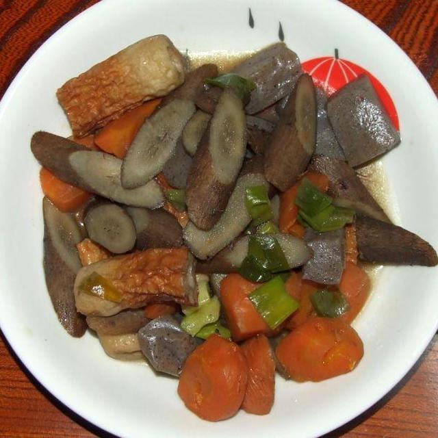 竹輪コンニャクニンジン牛蒡の甘辛煮