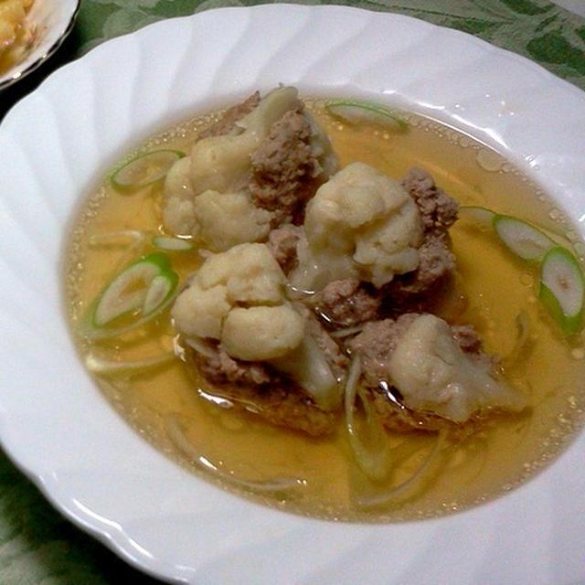 カリフラワーの肉詰めスープ