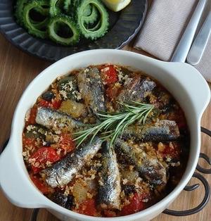 ラタトゥイユとオイルサーディンのオーブン焼き & ゴーヤチップス