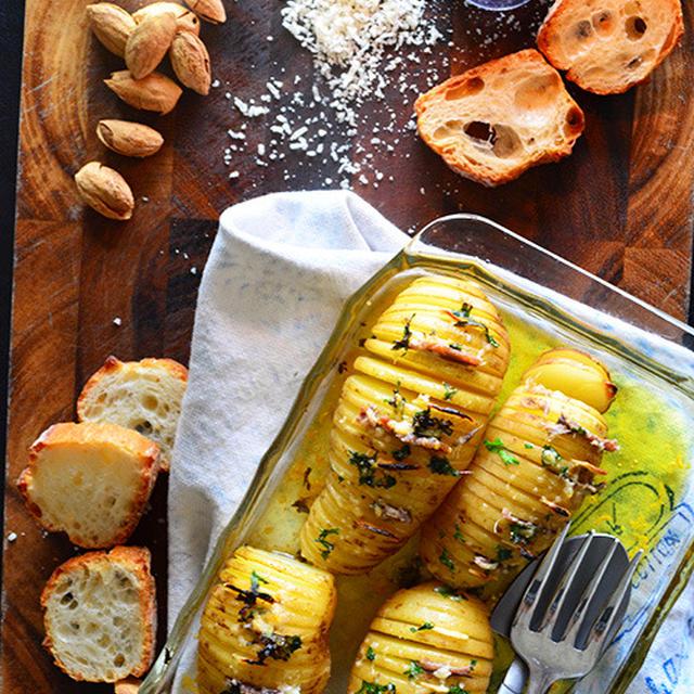 にんにくとパセリが入ったアンチョビポテトのトースターでほっとけ焼き ハッセルバックアレンジ