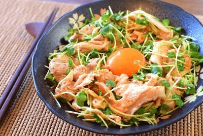 超主食系。簡単5分の柔らか豚オイマヨキムチサラダ(糖質3.5g)