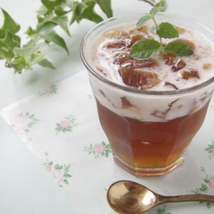 紅茶やほうじ茶、ウーロン茶まで!「茶葉」を使ったひんやりゼリーは大人な味わい