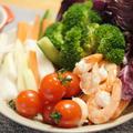 【レシピ】野菜スティックが止まらない「バーニャカウダソース」の作り方。アンチョビ、ニンニク、牛乳、オリーブオイルで