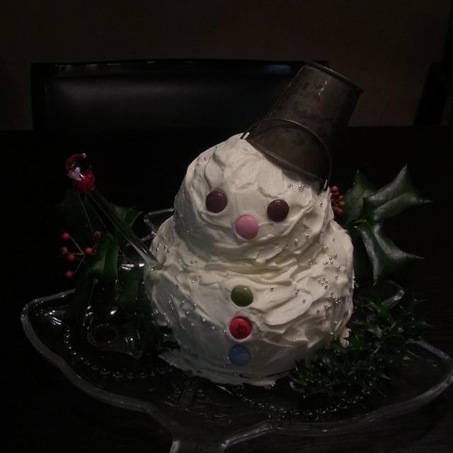 いきなりいちごムースでスノーマンのクリスマスケーキ作ってみました~♪