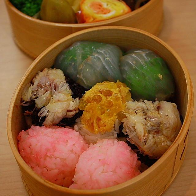 ひな祭りで手まり寿司弁当ハマグリの吸い物つき