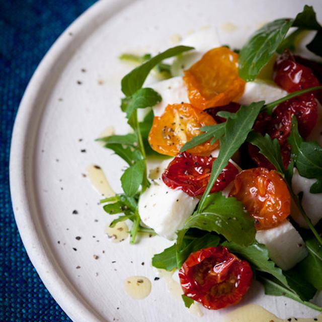 セミドライドトマトとモッツアレラチーズのサラダ