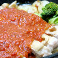 今日の晩御飯/スキレットで作る「ジューシーチキンのトマトソース添え」と、ミニスキレットで「牡蠣とほうれん草のソテー」。手軽な材料でごちそうメニュー。