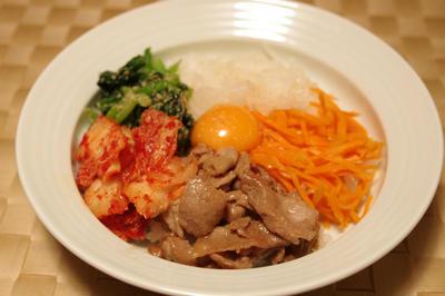 ビビンパ と 韓国風牛肉スープ