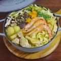 鶏手羽元と海老の和風カレーヌードル鍋