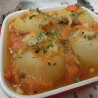 材料入れたらスイッチを押すだけ☆ 炊飯器で美味しすぎる丸ごと玉ねぎのスープ煮