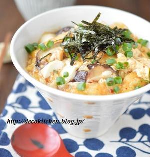 5分で*まんぷく節約丼!「豆腐とキムチの甘辛卵とじ丼」~疲労回復に効果的◎