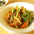 水菜とにんじんの胡麻和え《お好きなごまで》