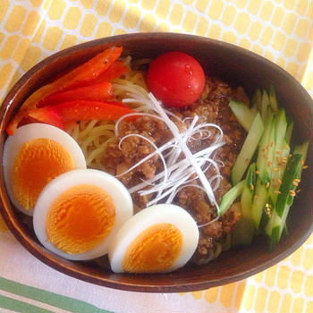 ジャージャー麺弁当