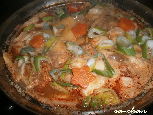 坦々水餃子鍋