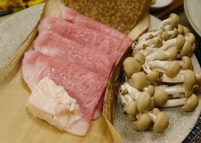 ★ いいお肉を梨ソースで