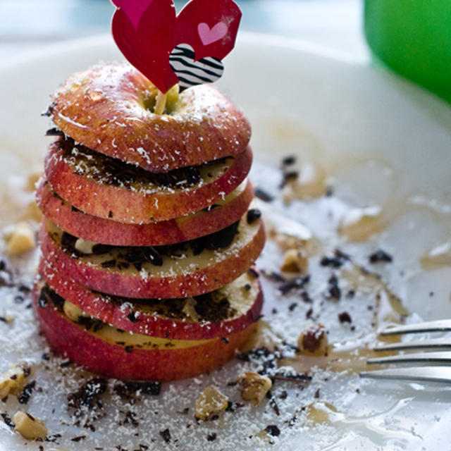 【火を使わず5分で簡単。りんごとチョコのミルフィーユ】
