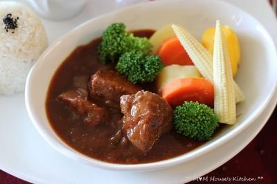 ピーマンの肉詰め弁当 ☆ 塩麹漬 ポークシチュー♪