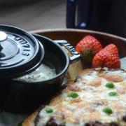 ストウブで「ワンプレート朝ごはん」カレーチーズトースト