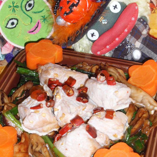 鶏肉のキノコジャージャーソース&キュウリとクラゲのキムチ和え(お家カフェ)