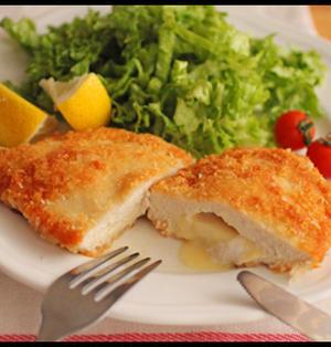 簡単・衣づけ不要!鶏むね肉で揚げないスライスチーズinチキンカツ