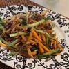 にんじんときゅうりとひき肉のサラダ