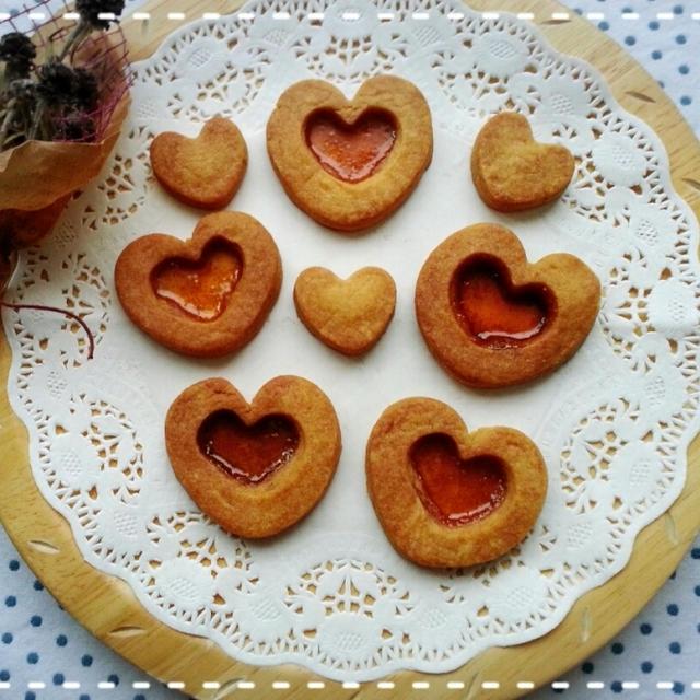 クリスマスが楽しみ~~♪ハートのステンドグラスクッキー焼けました~~♡(*ノωノ)