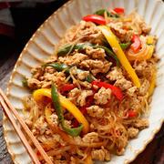 夏野菜とひき肉の彩りポークチャプチェ【#作り置き #お弁当 #水戻し不要 #野菜アレンジOK #主菜】