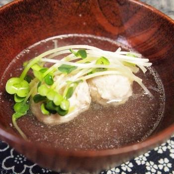 『汁物 - とりの肉団子のおすまし』 70kcal - 一汁三菜レシピ