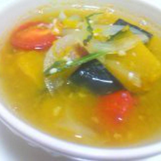 プチトマトとかぼちゃの塩麹スープ