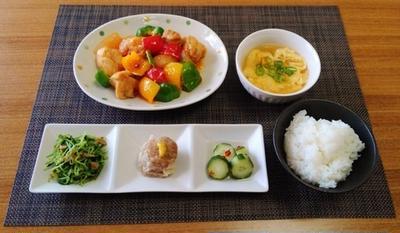 酸味と辛みの組み合わせ☆鶏肉とパプリカの豆板醤甘酢炒め♪☆♪☆♪