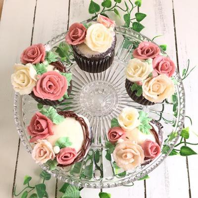 11月も開催!薔薇のフラワーカップケーキレッスン
