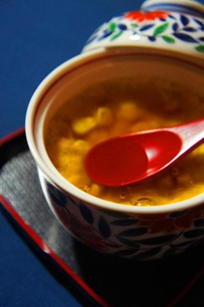 玉蜀黍の山芋饅頭・鼈甲餡で、ほうれん草と人参の金山寺味噌和え、鯛昆布〆で酔いどれて……