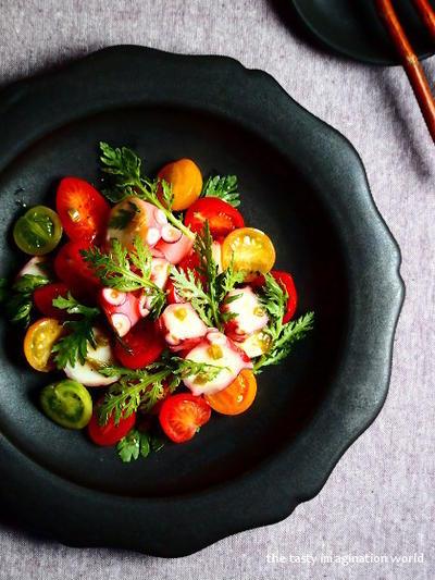 春菊とトマトのたこわさサラダ【スパイス大使】