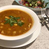 野菜と豆たっぷり1品で満足できるモロッコ料理ハリラスープ