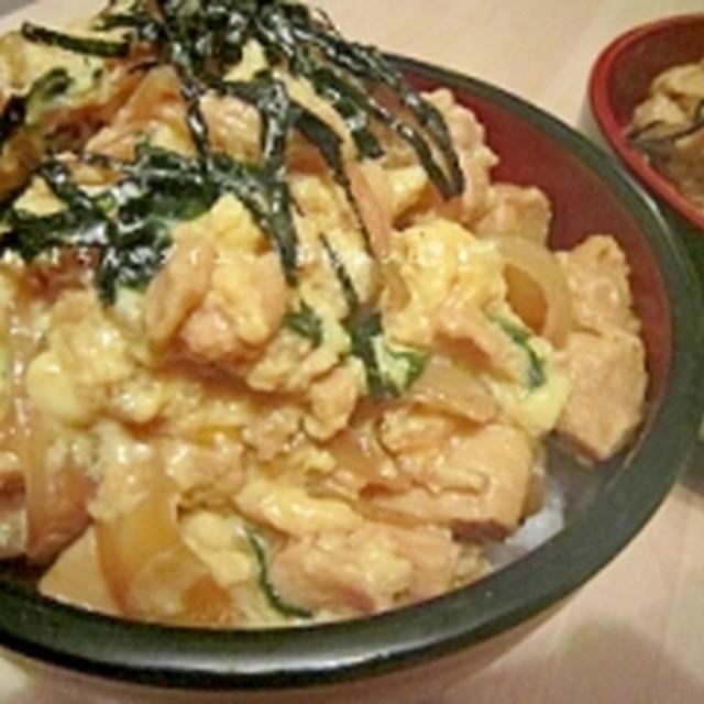 冷凍豆腐ともやしでカサ増しヘルシーニラ玉親子丼♪